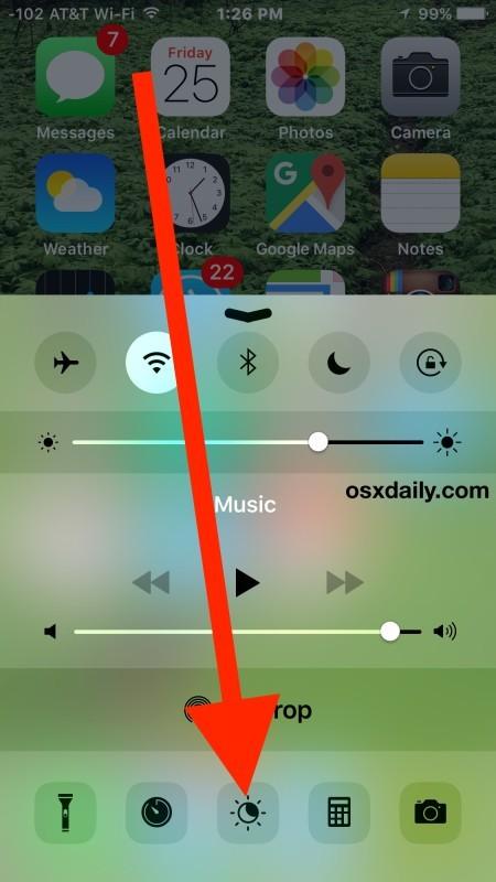 Abilita o Disattiva Night Shift su iPhone da Control Center