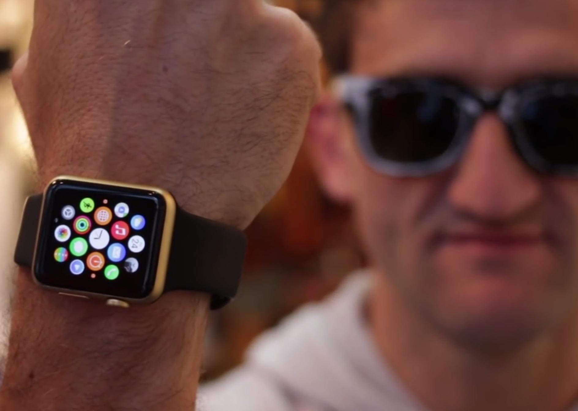 Gold Apple Watch Edition, beh, una specie di ... grazie alla vernice spray