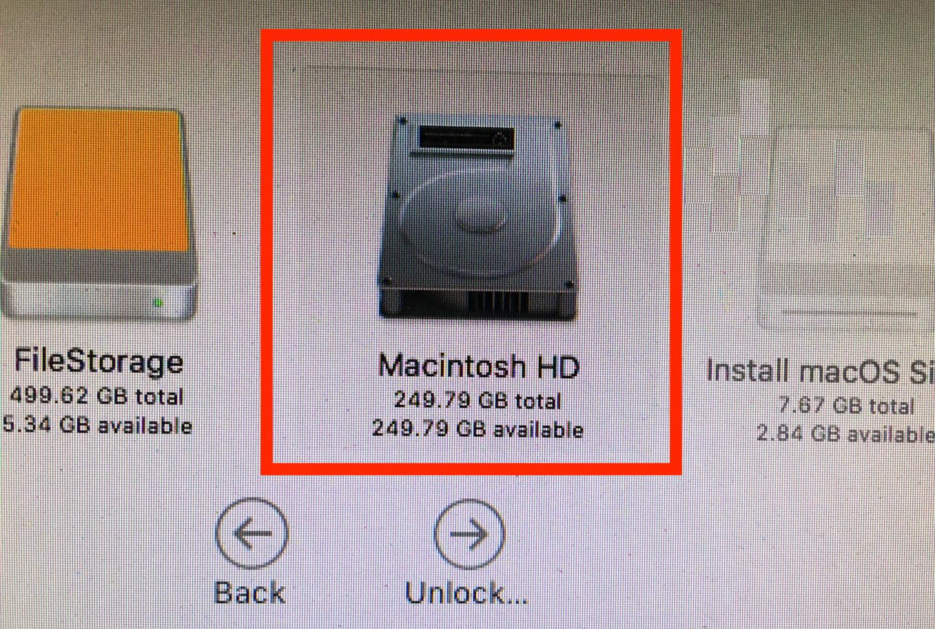 Scegli l'unità di destinazione per reinstallare macOS Sierra
