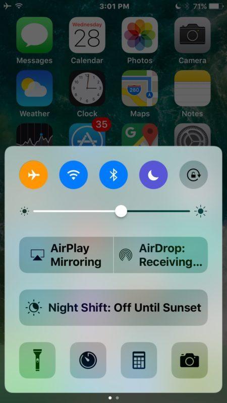 Primo centro di controllo aperto in iOS per trovare i controlli musicali
