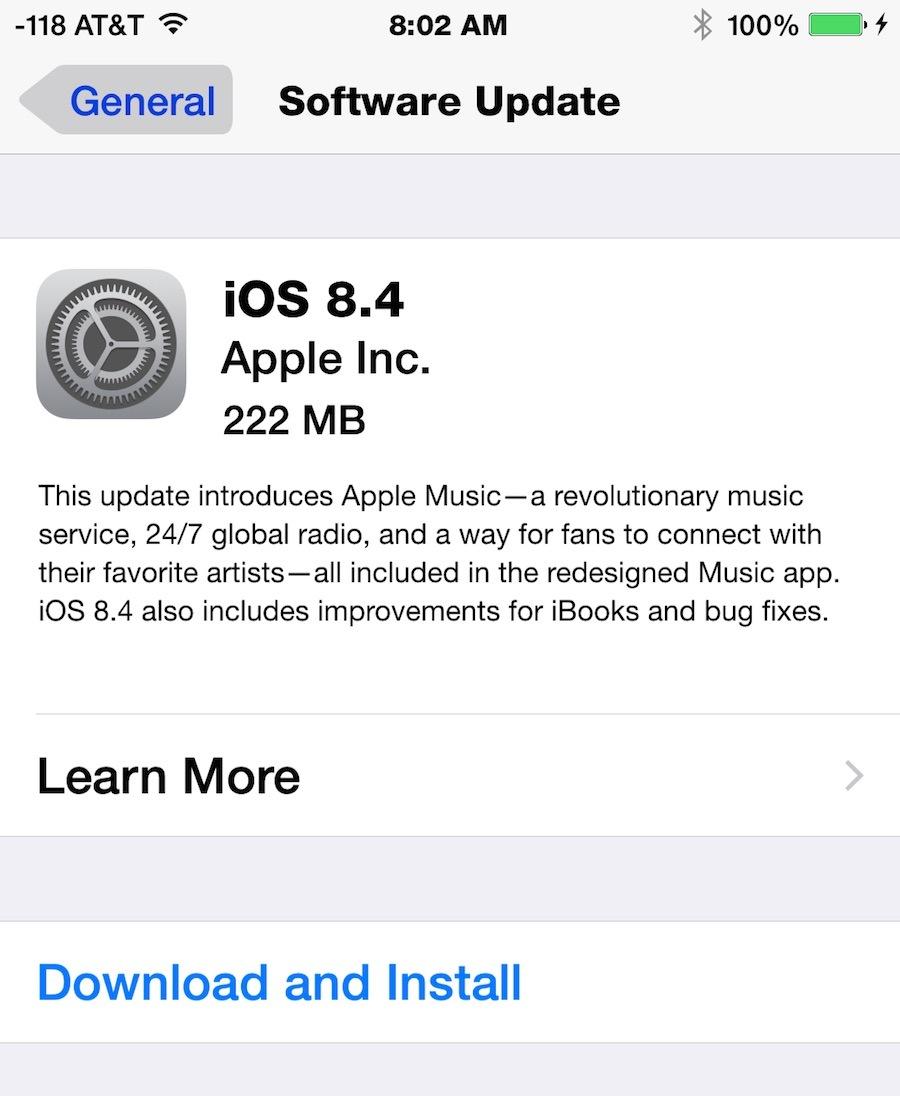 Download dell'aggiornamento iOS 8.4