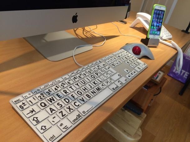 Ampia tastiera di stampa per Apple e Mac e trackball Logitech