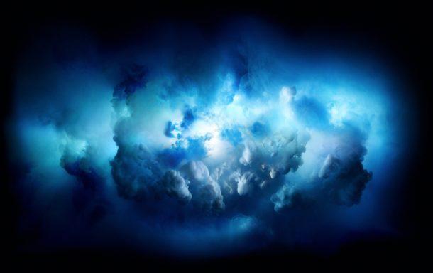 Sfondo iMac Pro di nuvole colorate esplose