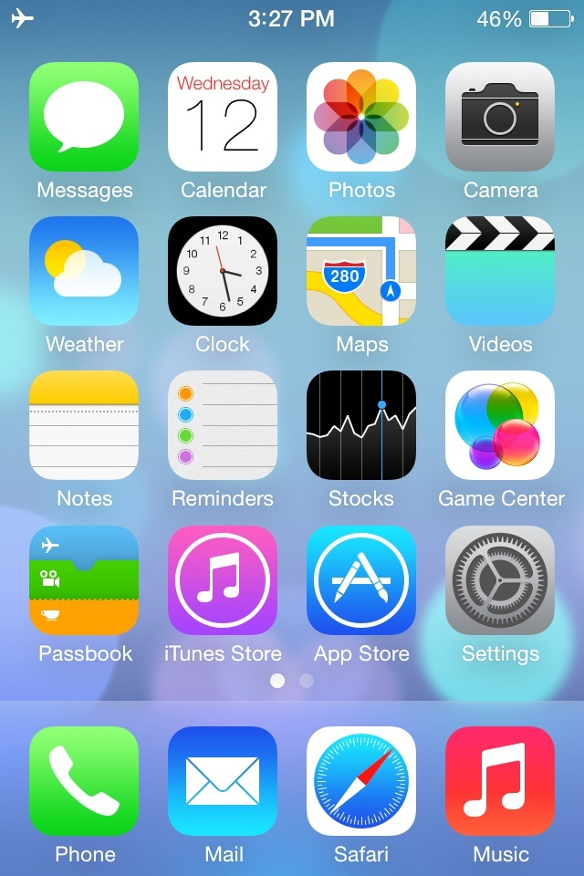 iPhone 4 con iOS 7, schermata principale