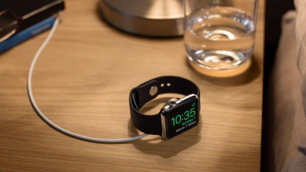 nice-stand-mode-apple-watch